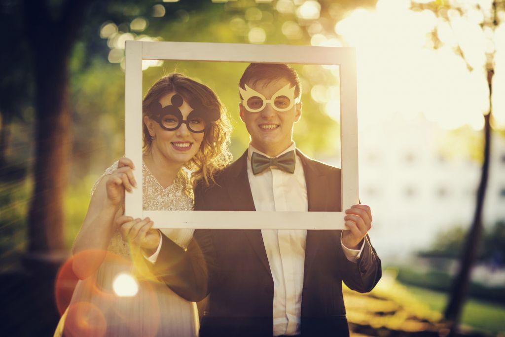 Le spose con gli occhiali da vista: come essere belle il giorno del matrimonio