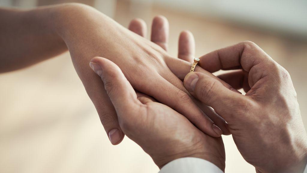 Matrimonio Simbolico Come Fare : Come fare la proposta di matrimonio a capodanno mama