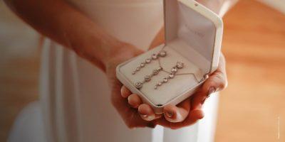Consigli per la sposa: come scegliere bouquet, gioielli, scarpe, velo e fedi