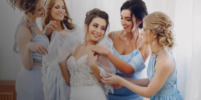 Figure importanti intorno alla sposa: damigelle, papà, mamma, testimoni